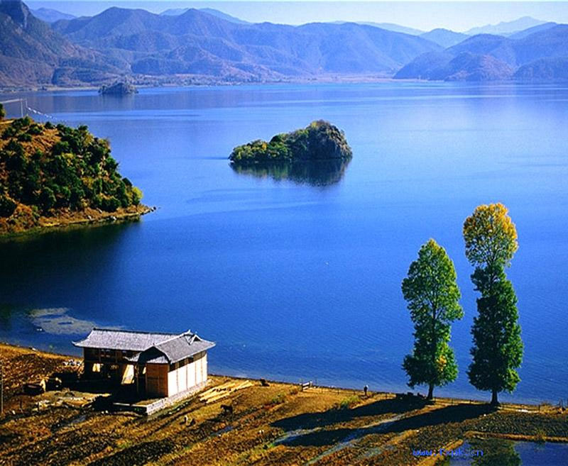 Lugu Lake Tour from Lijiang or Chengdu by a local travel agency